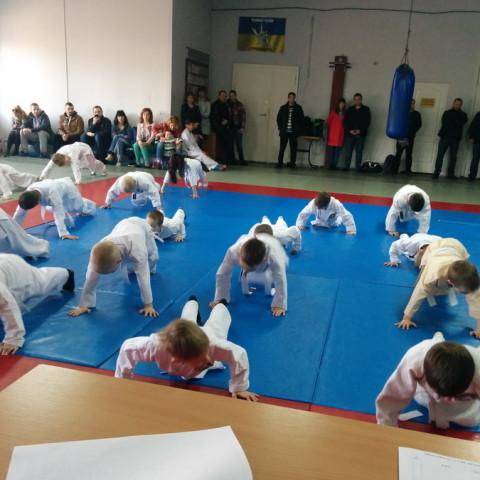 Аттестационный семинар и сдача экзамена на ученические пояса по рукопашному бою