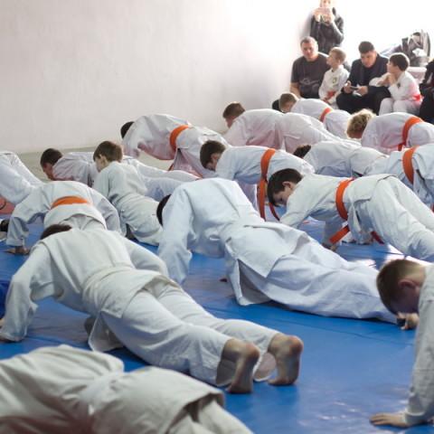 Днепропетровская областная федерация рукопашного боя - Аттестационный семинар и сдача экзамена на ученические пояса по рукопашному бою